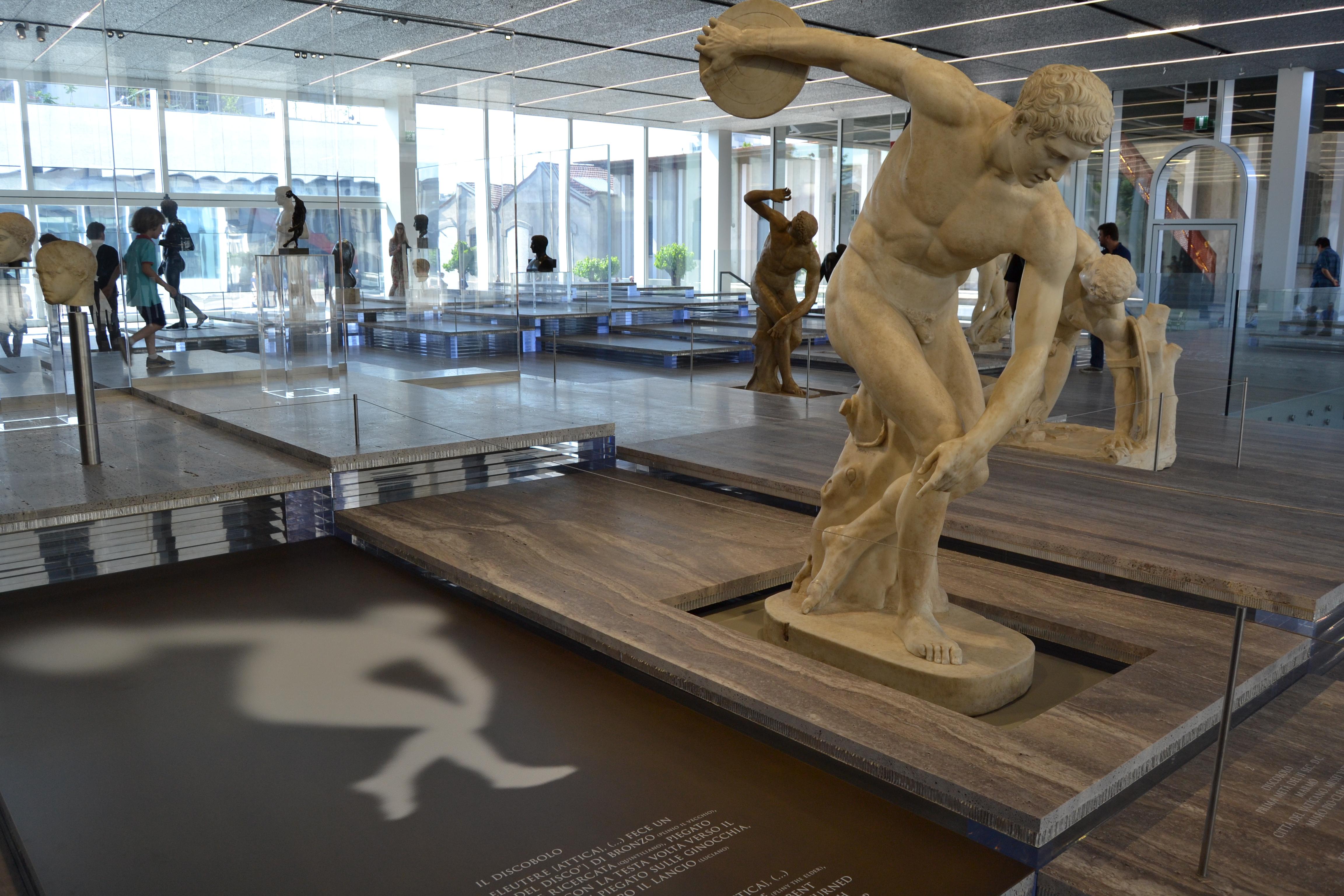 Fondazione Prada- Serial Classic Podium
