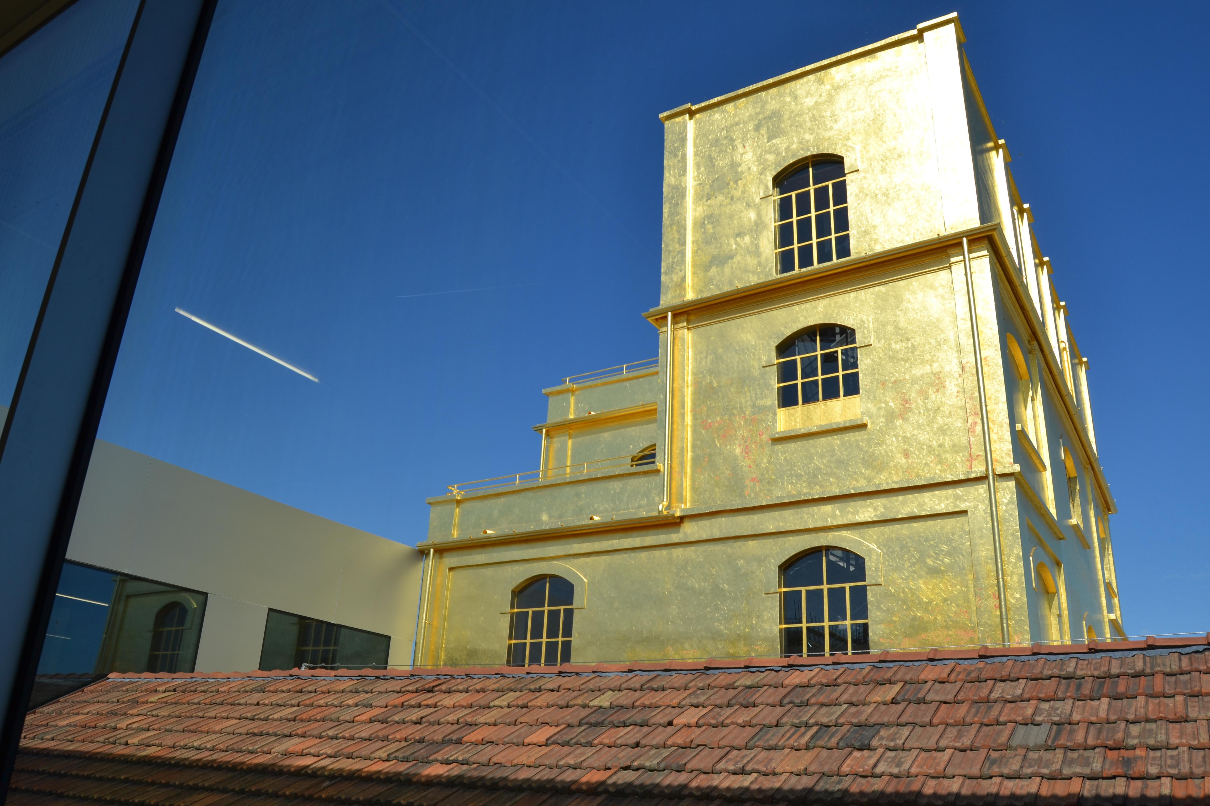 Fondazione Prada- Haunted House.
